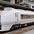 JR東日本 651系1000番台 OM201編成⑦ クハ651形1000番台 クハ651-1001 (1)