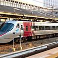 JR四国 8000系リニューアル車⑧ L01編成 8000形 Thsc 8001 特急「しおかぜ」